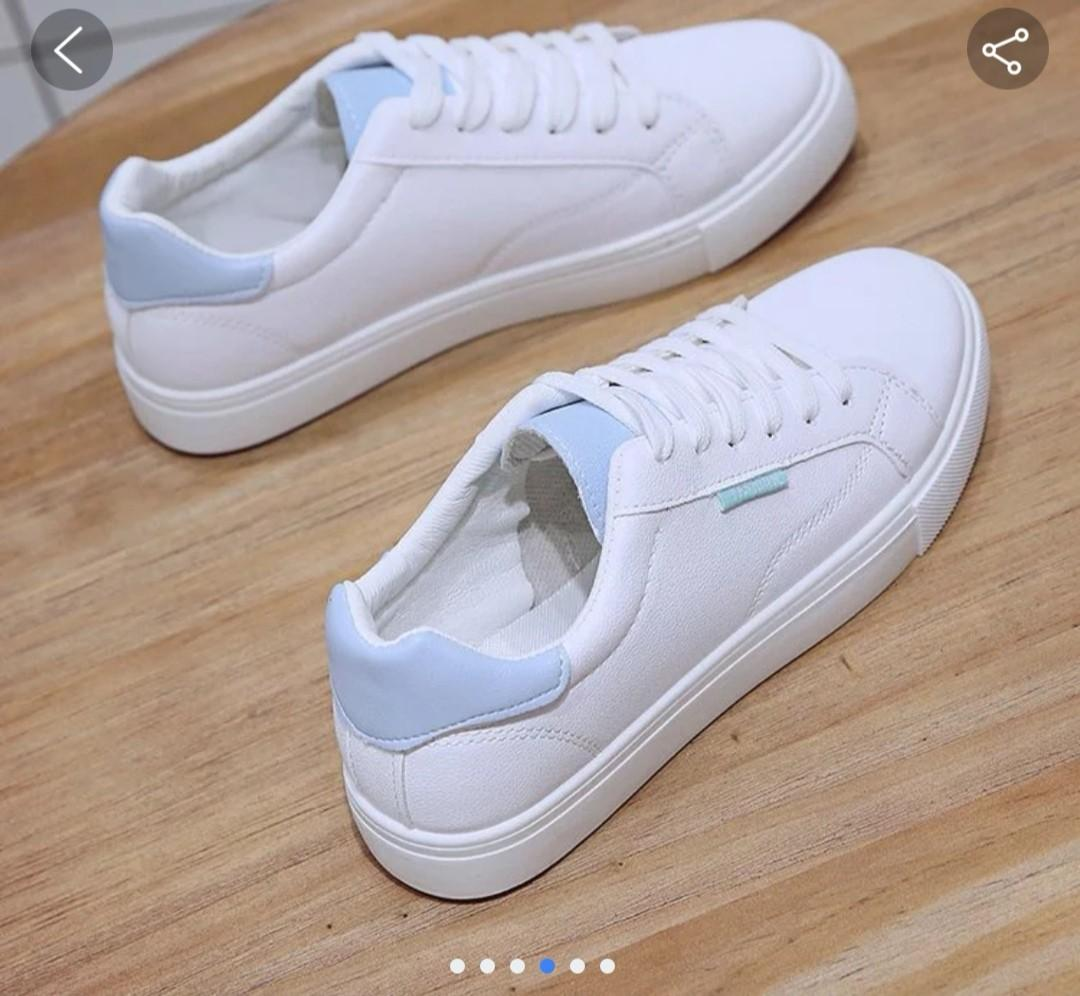 Sneakers with Baby blue shoe laces