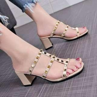 Sandals with studs