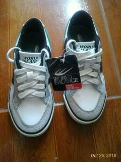 World Balance freeman (5-7 yrs old) 100% Authentic Size- 31EUR/11US/19CM Condition-  brand new/ without box 550 only