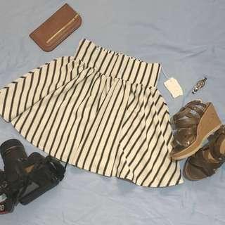 B&W Striped Chic Skirt