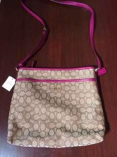 BNWT! Original Coach Outline Signature File Crossbody Bag