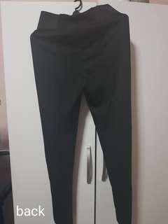 Yoga pants/leggings (black colour)