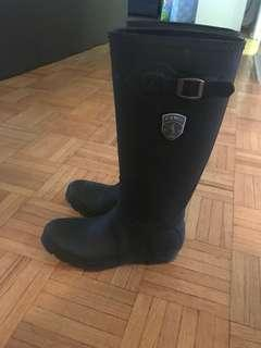 Rubber boots, size 11