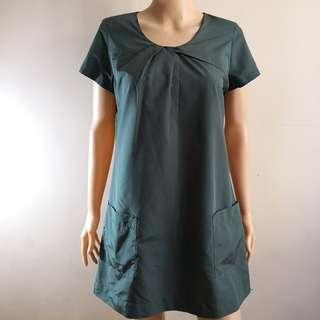C259 - 2'nd Green Polyester Dress with Front Pockets