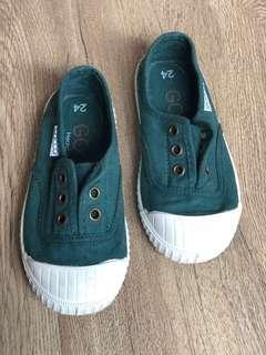 Sepatu Anak slip on tdk pernah pakai size 24
