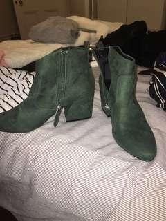 Shamrock Boots ( Size 8/9)