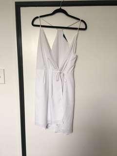 White lippy dress