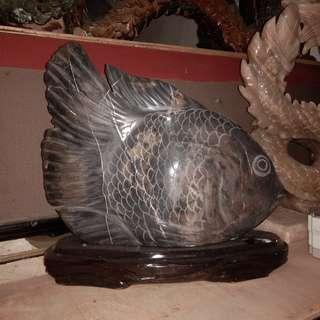 Pajangan Ikan dari Batu onyx