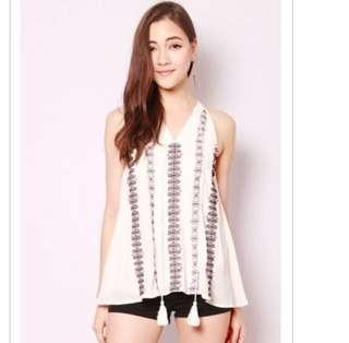 SSD Lysa Embroidery Top