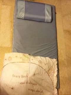 🚚 睡墊睡袋枕頭
