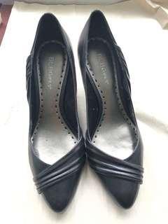 🚚 Bcbgirls黑色高跟鞋39