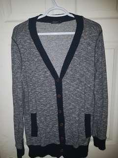 Roots button up sweater sz L