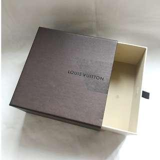 LOUIS VUITTON LV small size gift box 小皮具飾物紙盒