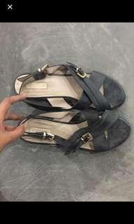 Top shop sepatu sandal