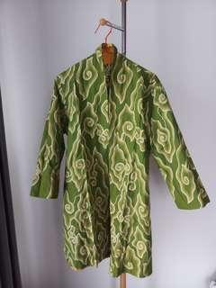 LIKE NEW! Outer batik halus cantik banget