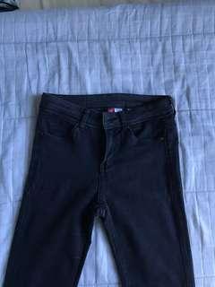H&M black skinny jeans high waisted