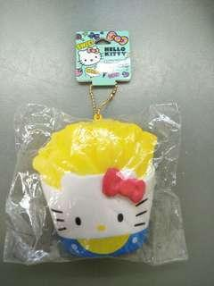🚚 Sanrio Claire's hello kitty french fries squishy