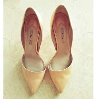 🚚 Pedro pointy heels