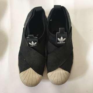 Adidas slip on(NOT ORI)