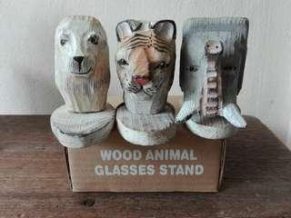 Wood animal glasses stand