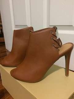 Tan heels 6 1/2