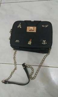 Tas hitam slingbag import