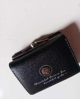 Dompet hitam mini