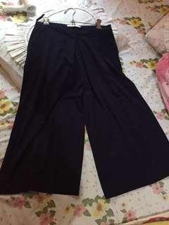 Valino, celana kulot original, new!!!!belum pernah dipakai, kebesaran, nego tipis, harga beli 250rb