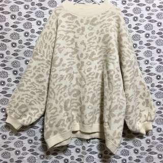 🚚 全新 杏色豹紋針織毛衣