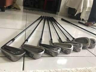 Golf Clubs Mix of Titleist & Maruman