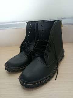 Sepatu Boots Caterpillar Kulit Black