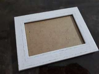 Simple White Photo Frame