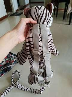 Tiger bag and leash for young kids