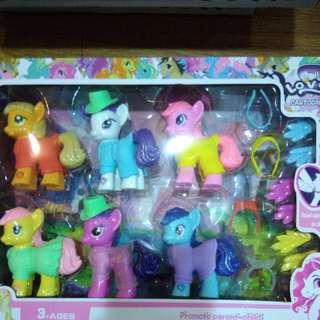 BRANDNEW 6pcs MY LITTLE PONY FASHION CLOTHES with ACCESSORIES