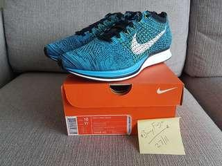 Steal Brand New 100% Authentic Nike Flyknit Racer US10/UK9