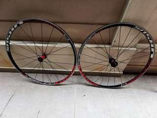 WTS Ursus Hybrida Wheelset