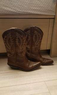 Leather brown cowboy boots