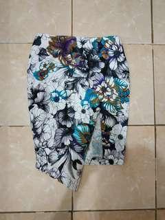 Flower skirt import