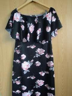 Floral maxi dress with slit (3-way)