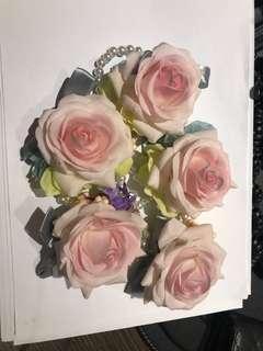 姊妹手花 襟花 總數5 個 4 個同款1 個可作伴娘或mc 款