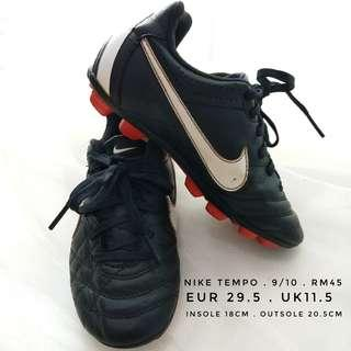 Nike Tiempo football soccer shoes