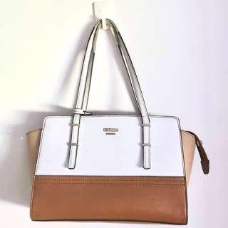 GUESS WHITE AND BROWN TOTE SHOULDER BAG