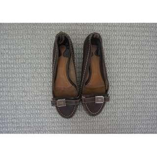 Chloe Brown Moccasin-Style Leather Flats/Loafers w/ Buckle Detail Size 39 RRP $650 – 100% Authentic