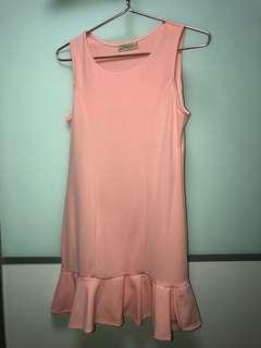 Selling peach dress @ $8