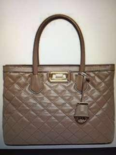 MICHAEL KORS Hannah Large Quilted Leather Satchel