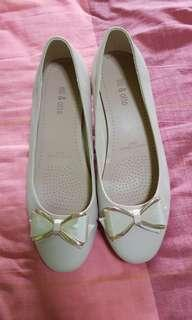 Shoes ( size 38 )
