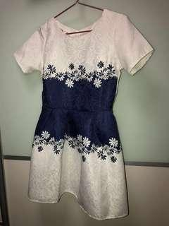 Selling preloved flowers embroidered dress @ $6