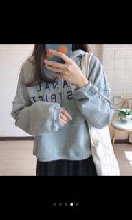 🚚 灰色帽T