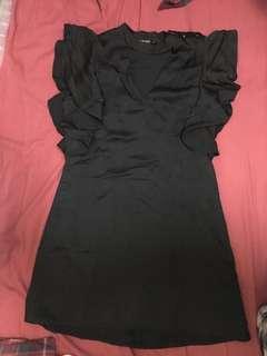Zara little ruffles black dress 黑色波浪袖小禮裙