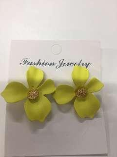 Anting Bunga Yellow